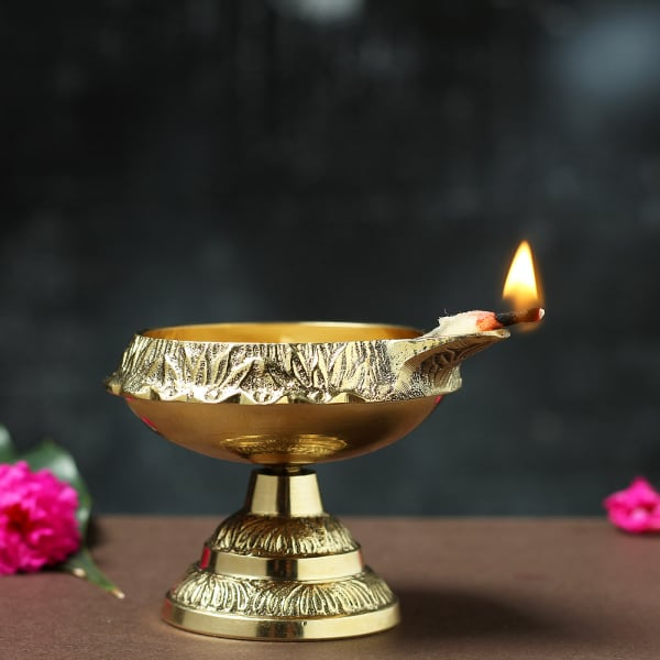 Kuber Deep with Stand in Golden Brass Finish