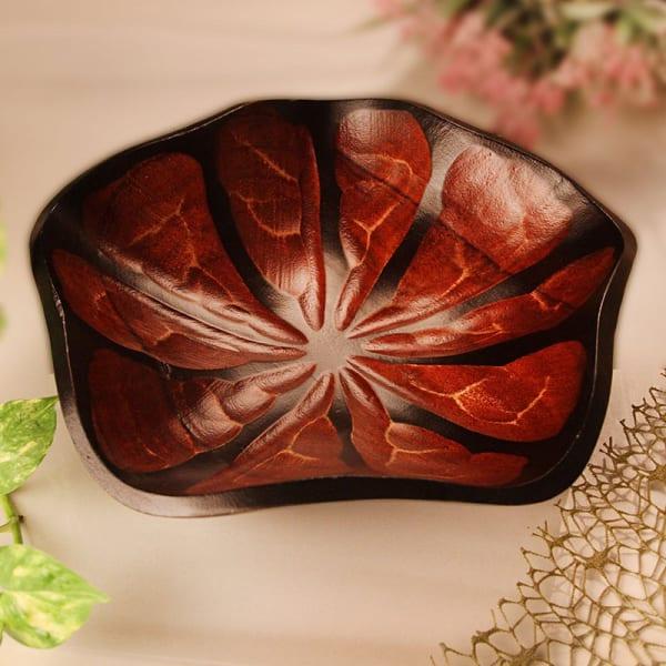 Lotus Leaf Shape Handmade Mango Wood Platter