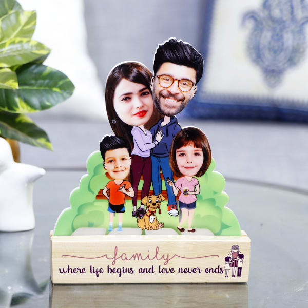 Loving Family Personalized Caricature Stand