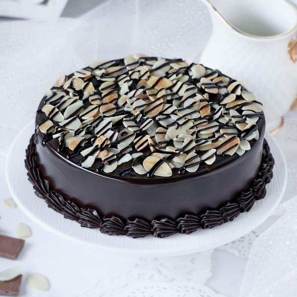 Mesmeric Chocolate Almond Cake (Half Kg)