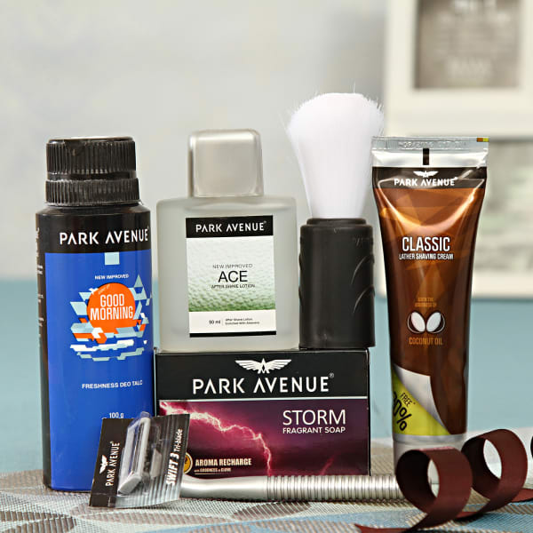 Park Avenue Essential Grooming Kit: Gift/Send Fashion And
