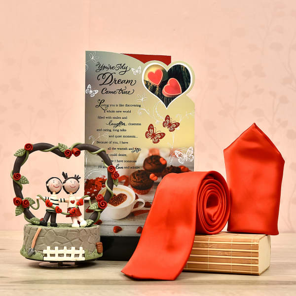 Perfect Romantic Hamper For Him Gift Send Valentine S Day Gifts Online L11079123 Igp Com