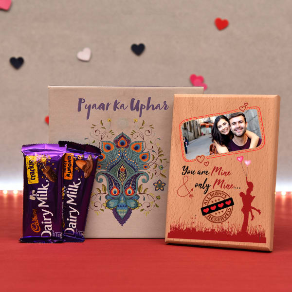 Personalized Wooden Frame with Chocolates