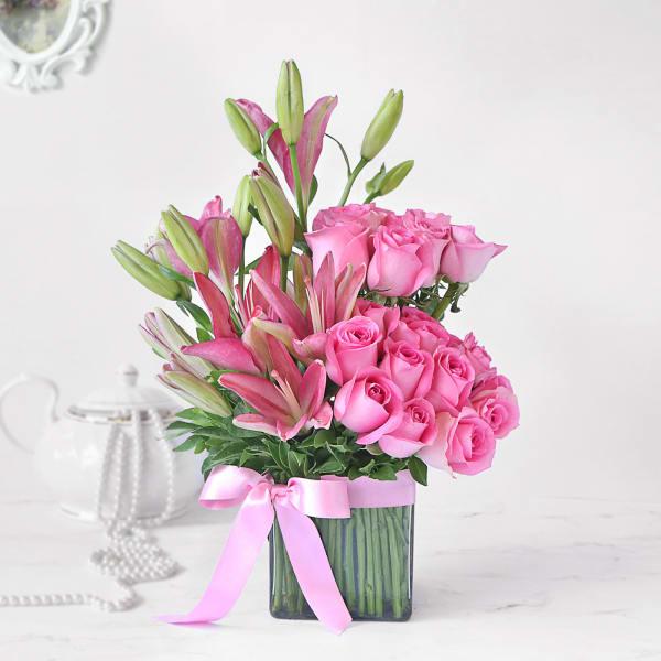Pink Asiatic Lilies & Roses in Vase Arrangement