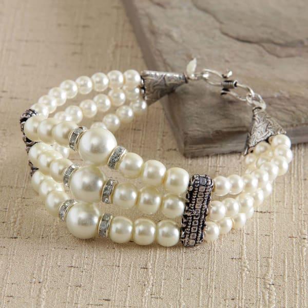 Pretty Pearl and Zircon Fashion Bracelet