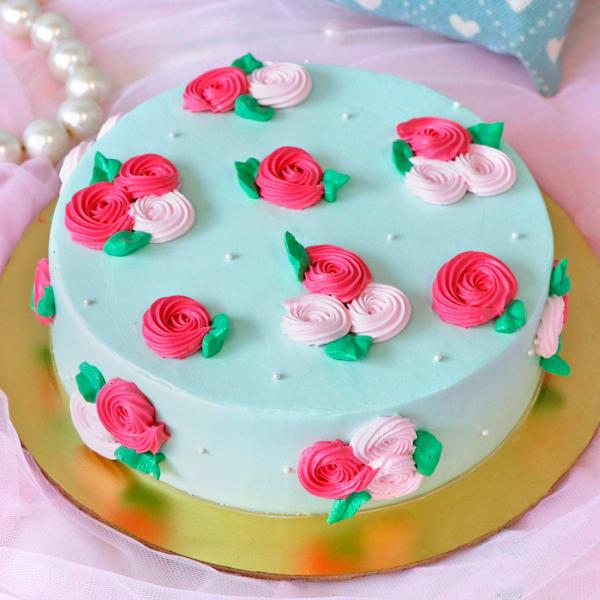 Roses & Pearls Chocolate Cake (1 Kg)
