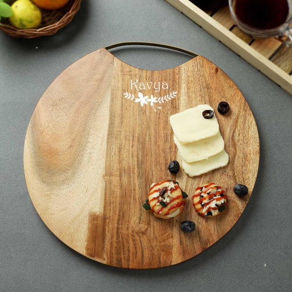 Round Wooden Personalized Serving Platter Cum Chopping Board