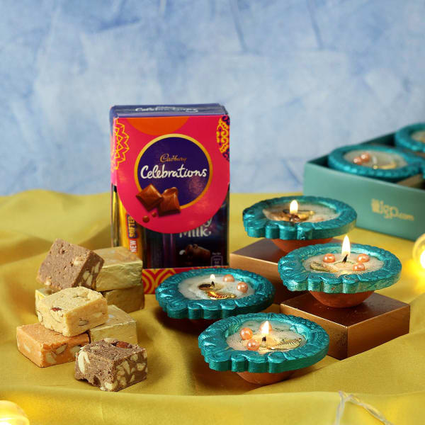 Set of 4 Clay Diya with Chocolates & Mewa Bites