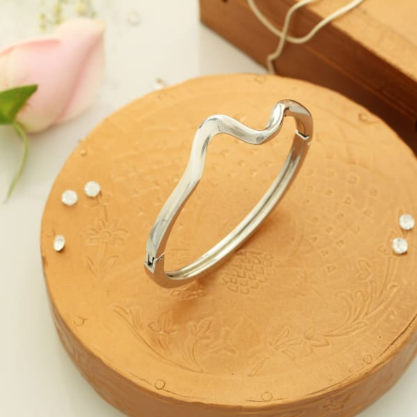 Silver Plated Modern Design Bracelet