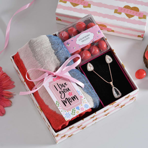 Stole with Dragees And Pendant Set In Gift Box