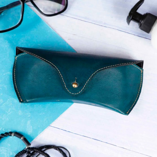 Suave Leather Spectacles Case