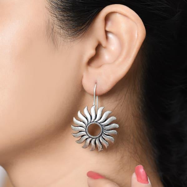 Sunny Smiles Black Stone Earrings