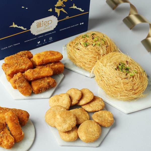 Sweet And Savoury Sargi Box