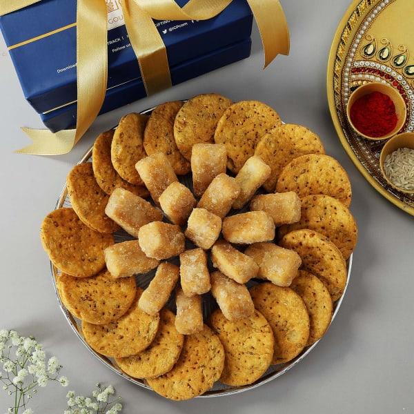 Sweet And Savoury Snacks Box