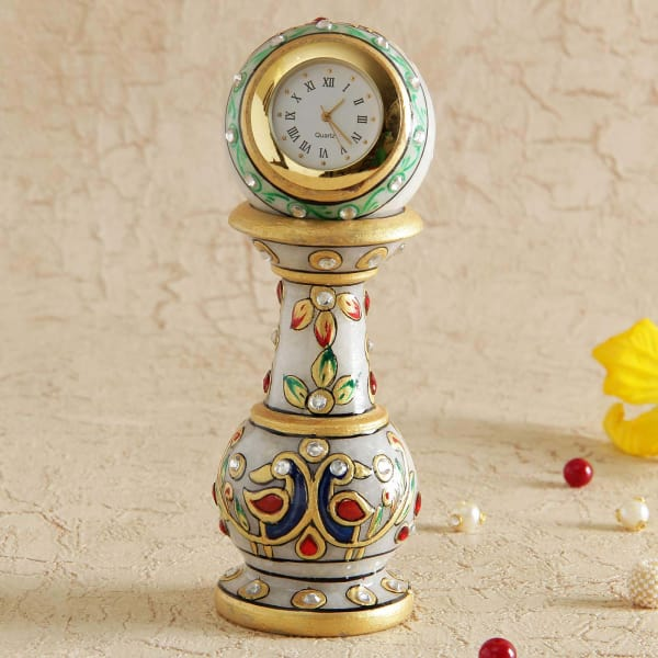 Traditional Vase Stand Table Clock