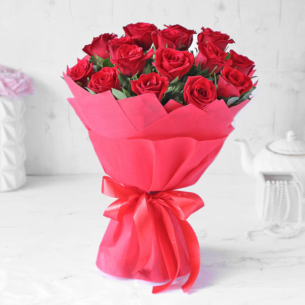 Valentine 15 Red Roses Bouquet