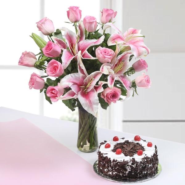 Vase of 13 Pink Roses & 3 Lilies with Half Kg Black Forest Cake