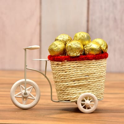 Chocolates online delivery best homemade chocolates dark 10 pieces of caramel king chocolate in a cane basket negle Images