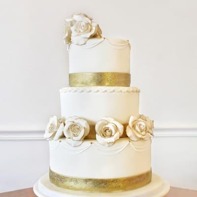 3 Tier Rosette Fondant Cake (8 Kg)