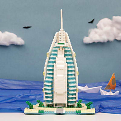 909 Pcs Burj Al Arab Hotel Micro Block Building Set