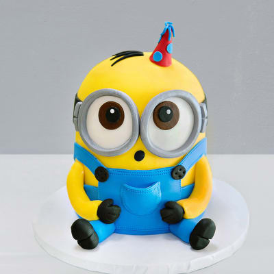 Adorable Minion Fondant Cake (4 Kg)