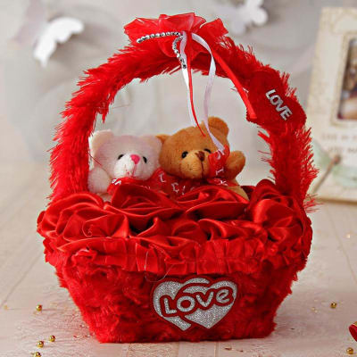 Send Valentine Chocolates and Soft Toys India Online: Chocolate Gift Hampers - IGP.com