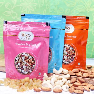 Almonds Cashews & Raisins Pack (300 Gms)