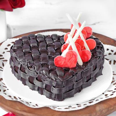 Basket Weave Heart Chocolate Cake (2 Kg)