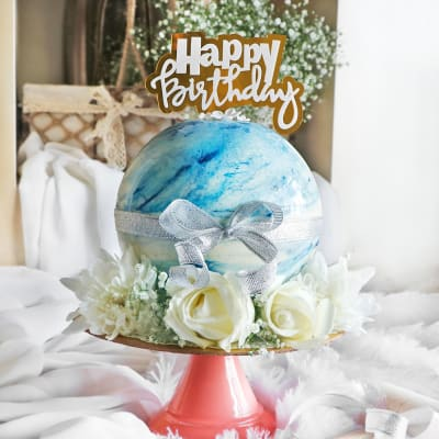 Blue Chocolate Pinata Ball Cake (Eggless) for Birthday (1Kg)