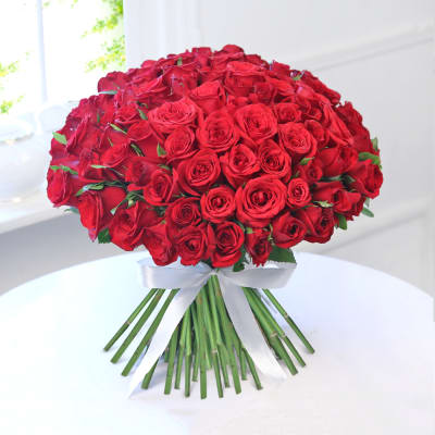 Bouquet Of Lovely 100 Red Roses Order Flowers Online Hd1006604 Igp Com