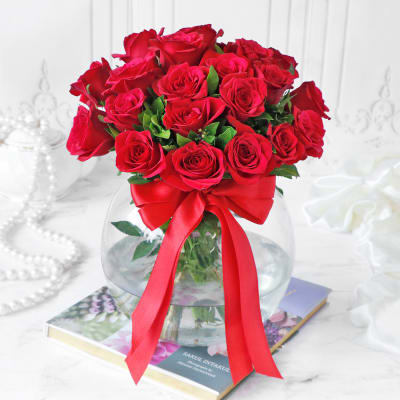 Bouquet of Red Roses in Globe Vase (20 stems)