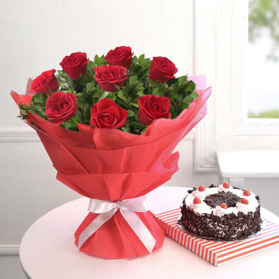 Bouquet of Red Roses with Black Forest Cake (Eggless) (Half Kg)