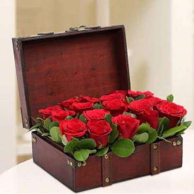 Box of 15 Red Roses