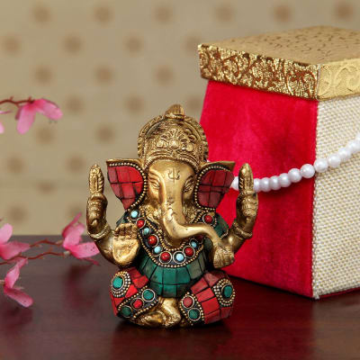 Brass And Semi Precious Stone Work Ganesha In Pink Velvet Jute Box With Pearl Handle