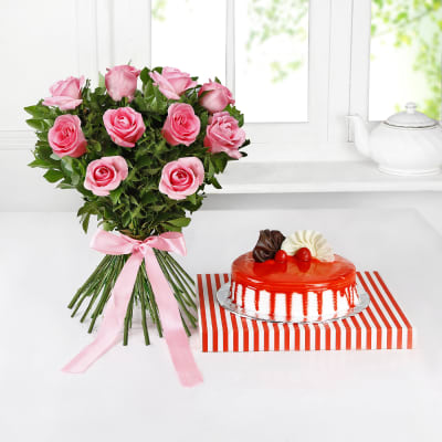Bunch Of 10 Pink Roses With Strawberry Cake Half Kg