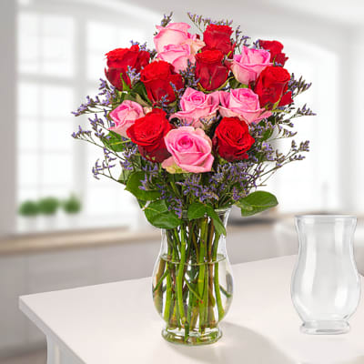 Bunch of 15 Fairtrade roses with limonium