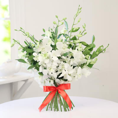 Bunch of 6 White Orchids