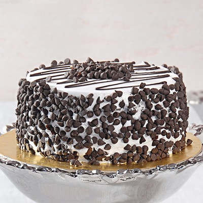 Choco Chips Black Forest Cake (Eggless) (1 Kg)