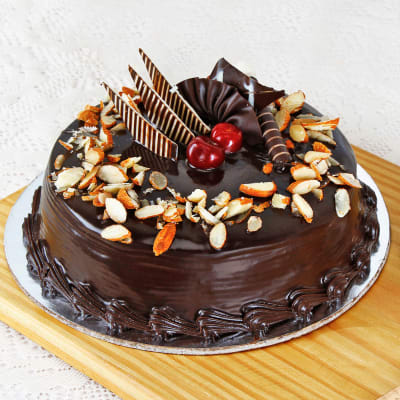 Order Chocolate Almond Cake Half Kg Online At Best Price Free Delivery Igp Cakes