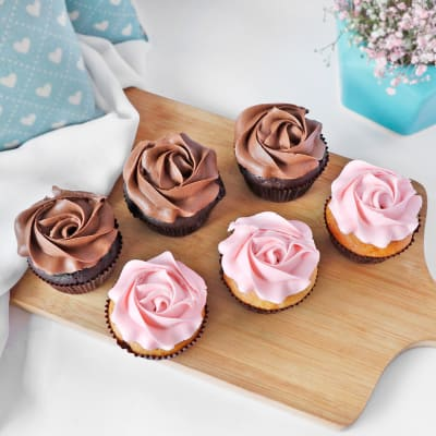 Chocolate and Vanilla Cupcakes (Pack of 6)