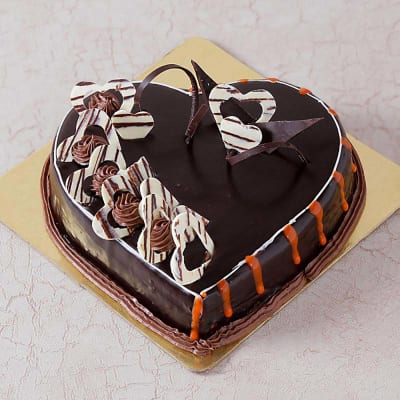 Chocolate Cake With Heart Toppings 15 Kg