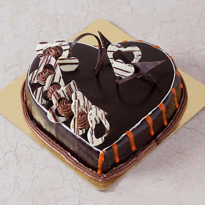 Chocolate Cake with Heart Toppings (Half Kg)