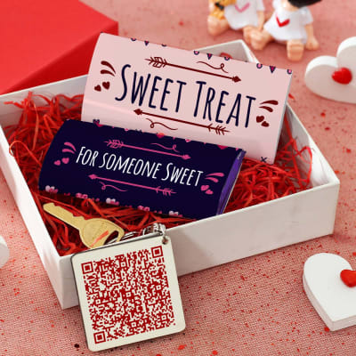 Chocolate & Personalized Keychain In Gift Box