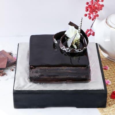 Classic Square Chocolate Cake - (Half Kg)