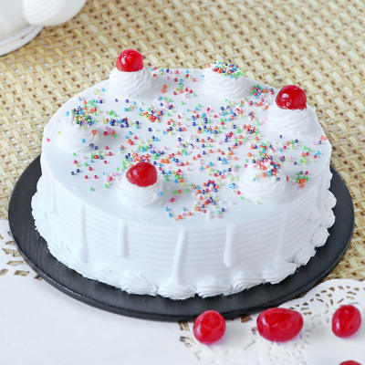 Classic Vanilla Cake (Eggless) (1 Kg)