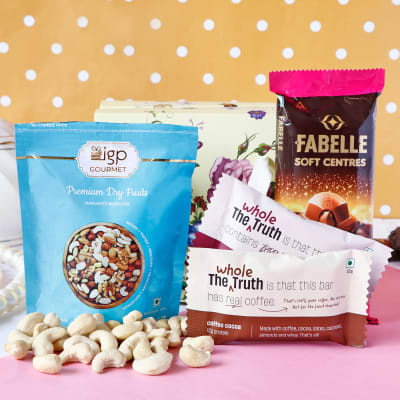 Cocoa Goodness Hamper with Dry Fruits in Gift Bag