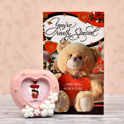 Cute Love Frame With Romantic Card