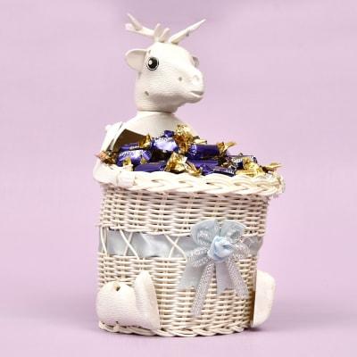 Cute Reindeer White Basket Full of Choclairs (130gm)