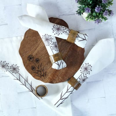 Dandelion Platter with Napkin Rings and Cotton Napkins