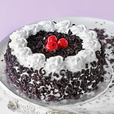 Delicious Black Forest Cake (Half Kg)